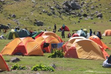 Başka yürüyüşçülerde çadırlarını kurmuşlar